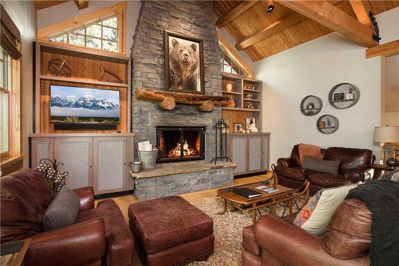 RMR: Great Ski Access in Teton Village, Sleeps 10, location de vacances à Moose