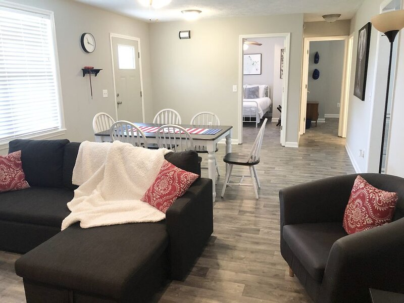 Cumberland Cottage, 1 level home near Nashville, alquiler de vacaciones en Murfreesboro