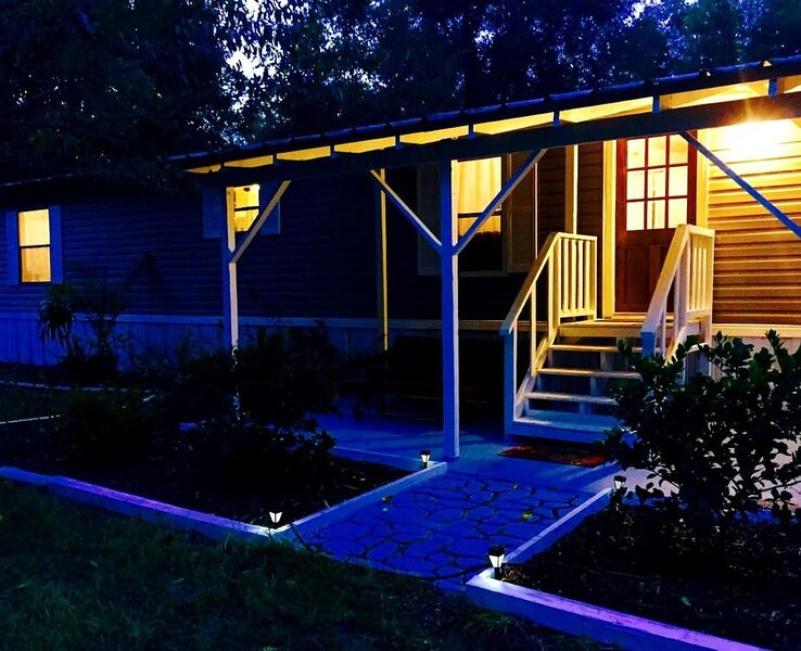 Firefly Acres Cottage, holiday rental in High Springs