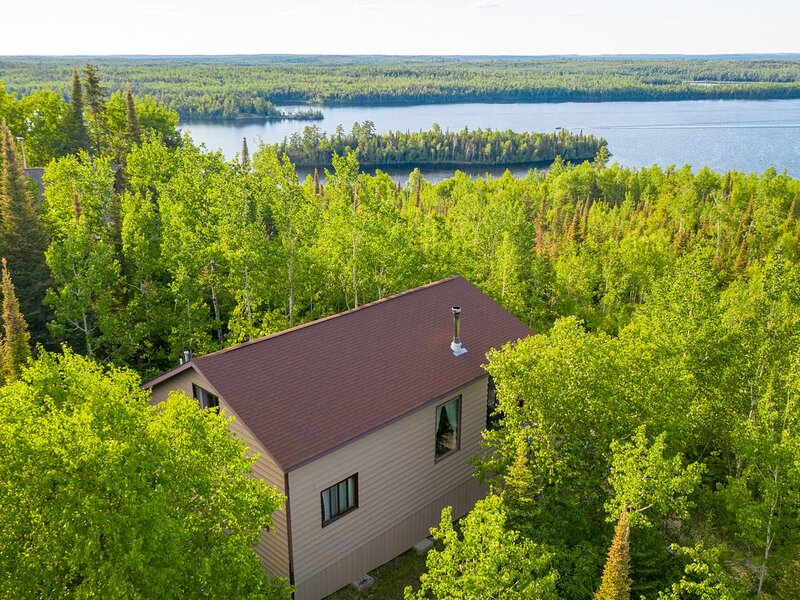 Three Bedroom Cabin with Views of The BWCA and Surrounding Region, casa vacanza a Ely