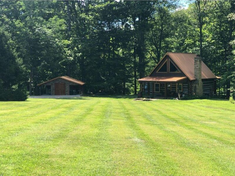 Seclusion at its finest! Winter rates discounted!!!, vacation rental in Morgantown