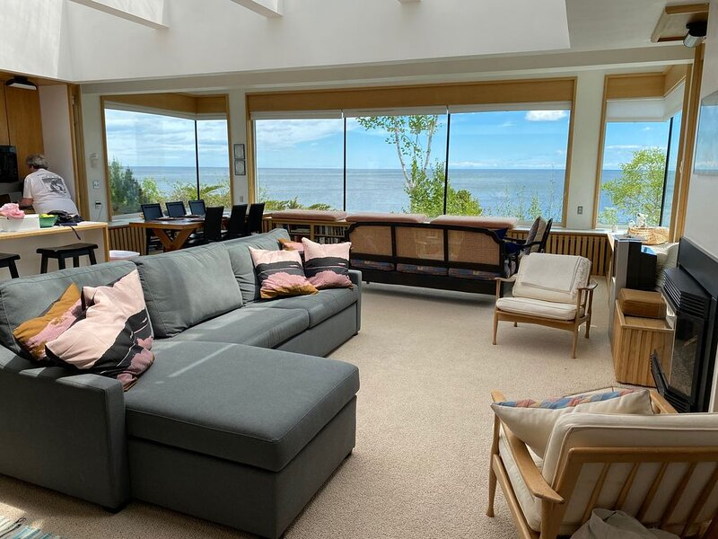 Lovely Home With Beautiful Views Of Lake Superior ~ 180 Degree Views!, holiday rental in Lutsen