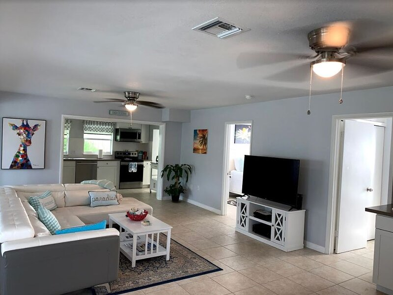 Renovated Spacious Home near the Beach, vacation rental in Vero Beach