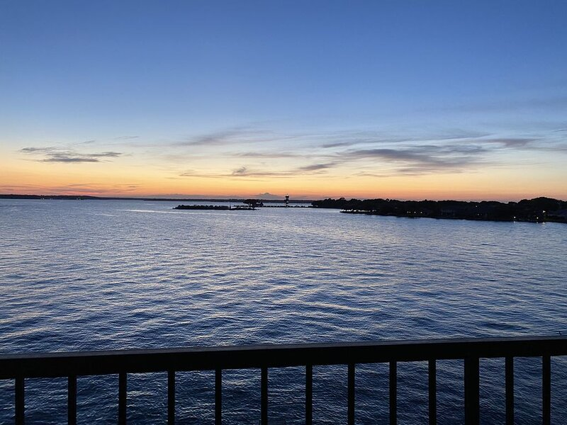 Lake house - unit 302, vacation rental in Willis