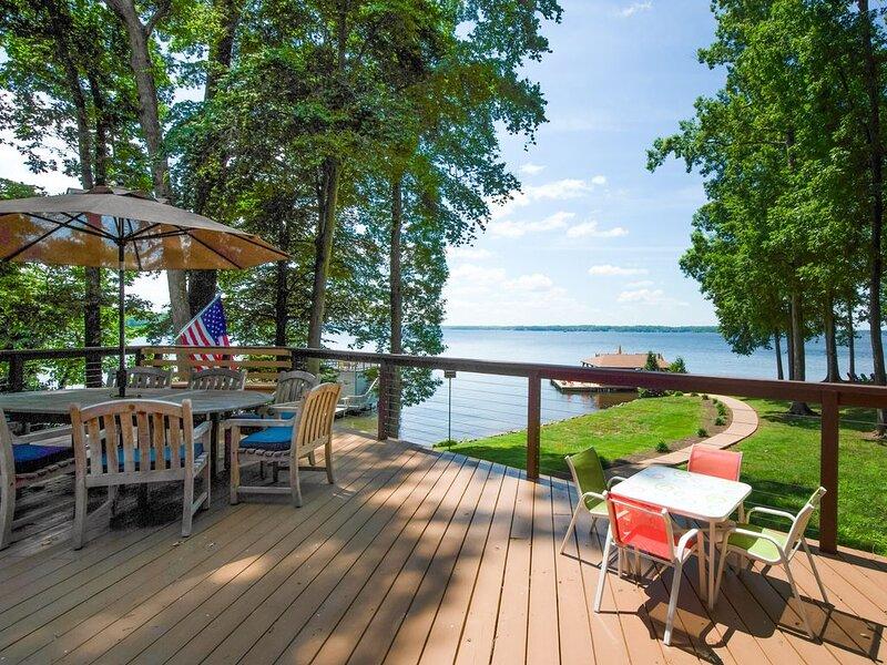 New listing! Spacious dog-friendly retreat w/Lake Anna views, dock, and firepit, casa vacanza a Bumpass