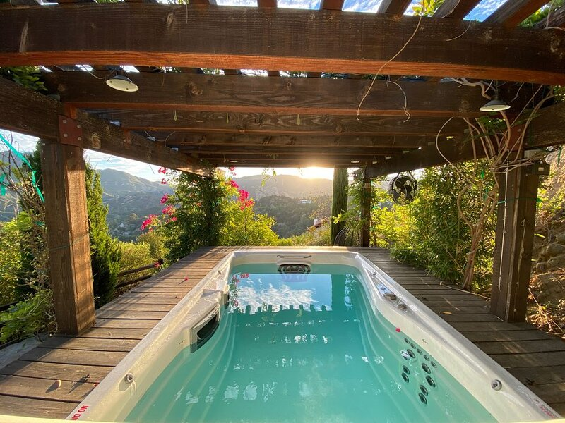 Bali Inspired Villa with Plunge Pool, vacation rental in Bell Canyon