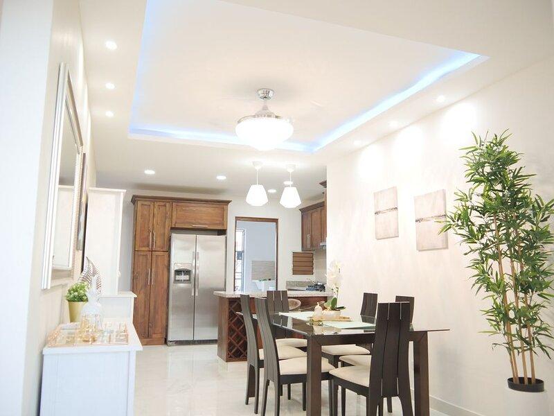 MonteCarlo luxurious apartment at Romana del Oeste, aluguéis de temporada em Cumayasa