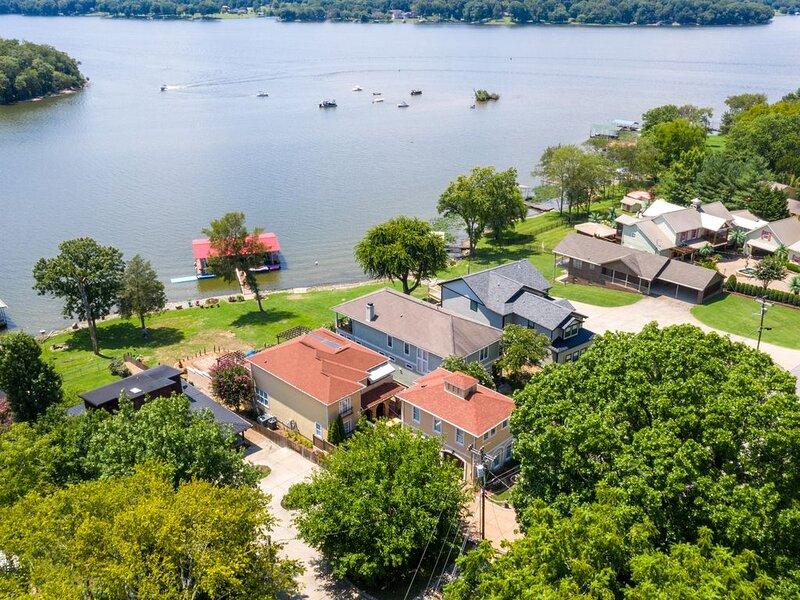 Lakefront Home Honky Tonkin  & Lake Life Near Nashville, alquiler vacacional en Mount Juliet