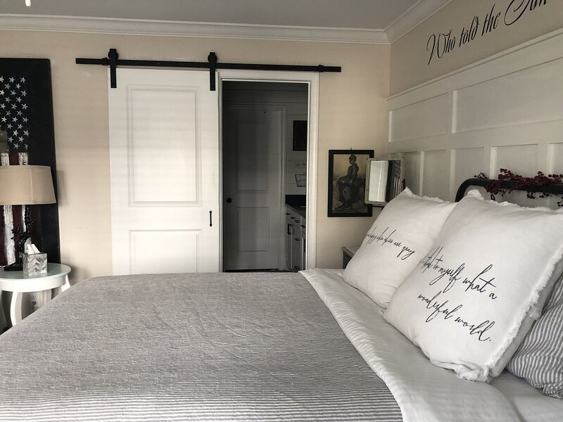 Southern Charm in Old Town Bluffton, holiday rental in Hardeeville