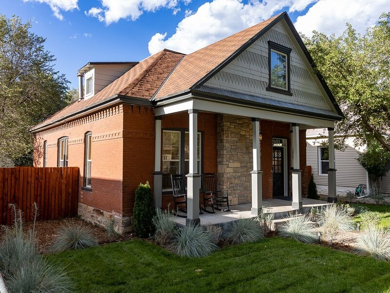 New!! Modern Vintage Retreat close to everything., alquiler vacacional en Canon City