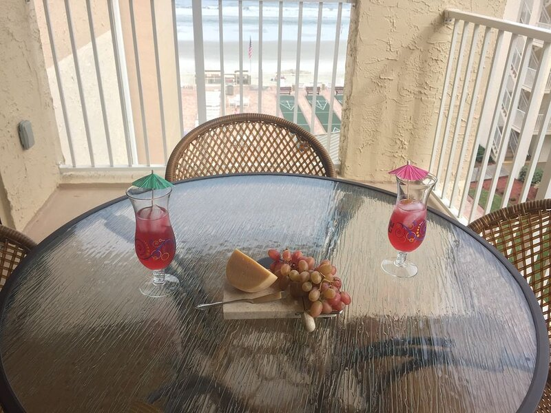 Beautiful Beach View Condo, holiday rental in New Smyrna Beach