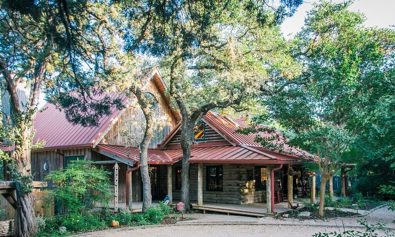 Sundance Lodge - Everyone's Favorite Log Home.  Pet Welcoming!  On the Creek!, holiday rental in Wimberley
