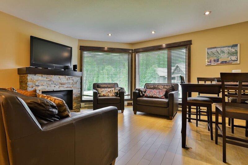 Renovated Haven at Fernie Alpine Resort, holiday rental in Wardner