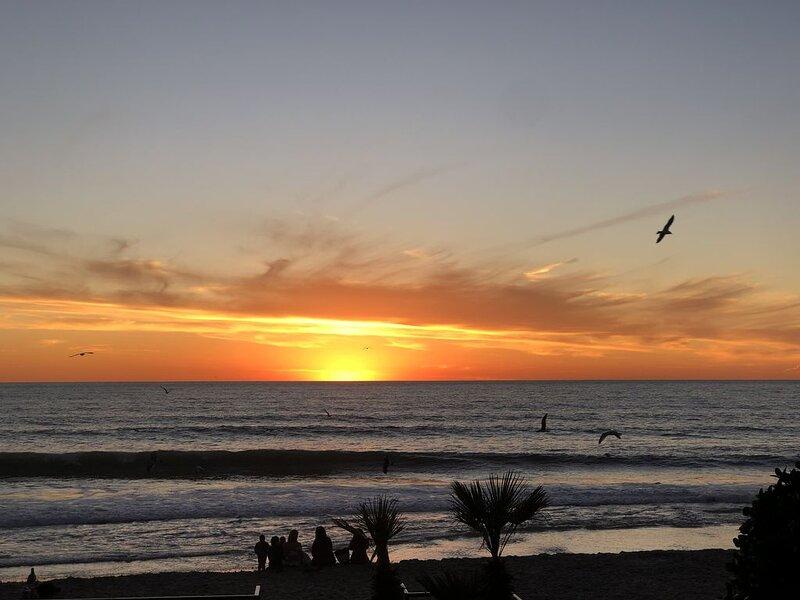 Sleeps9, Ocean views, Beach Access, Rooftop lounge, vacation rental in San Antonio del Mar