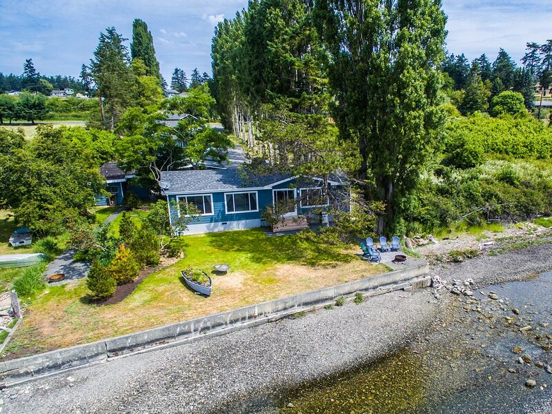 Unique Waterfront Beach House, brand new, 1 mile from Downtown Friday Harbor, holiday rental in False Bay