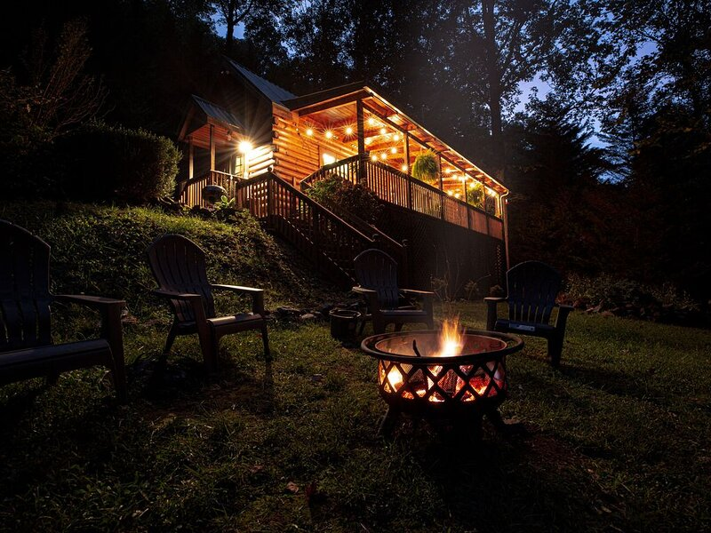 New Listing Creekside Cabin Retreat, holiday rental in McDonald