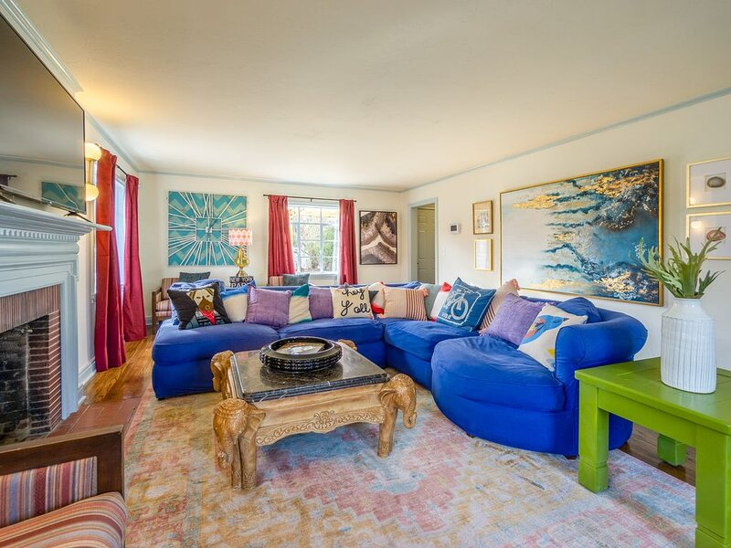 Comfy Colonial - up to 15 ppl, 5 mins to Plaza District or State Fair, holiday rental in Bethany