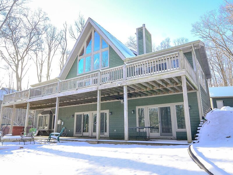 The peaceful location of Summerside creates the perfect setting for a relaxing, vacation rental in Deer Park