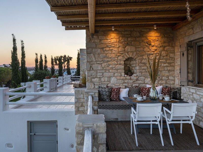 Villa Giorgianna - near Aliki beach, casa vacanza a Paros