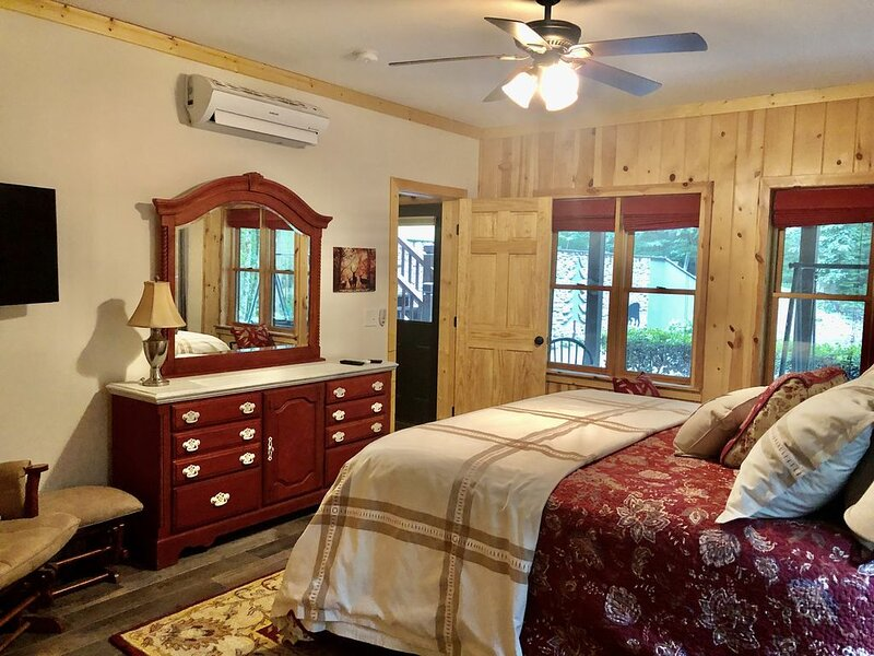 Peaceful and Private, holiday rental in Dillard