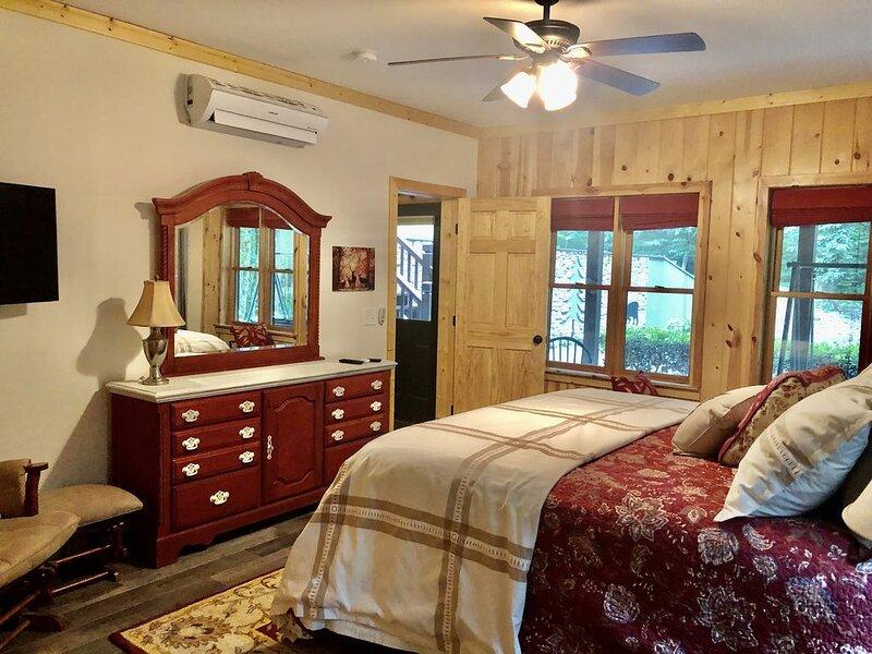 Peaceful and Private, aluguéis de temporada em Dillard