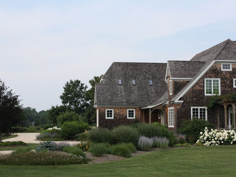 Charming English Tudor, vacation rental in Southold