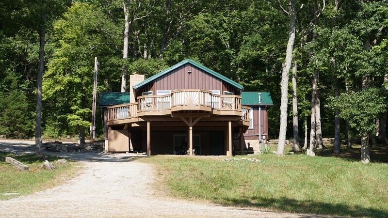 Cabin on Private Lake, holiday rental in Hopkinsville