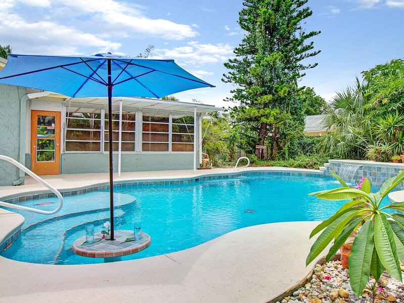 Watkins Heiau Pool Paradise, vacation rental in West Melbourne