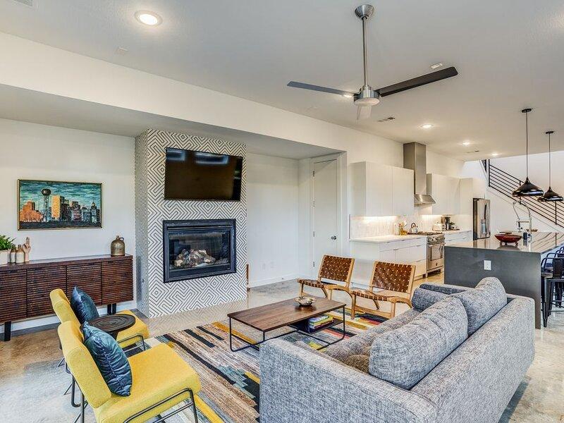 Pool, 4 bedroom modern home in the heart of Dallas – semesterbostad i Dallas