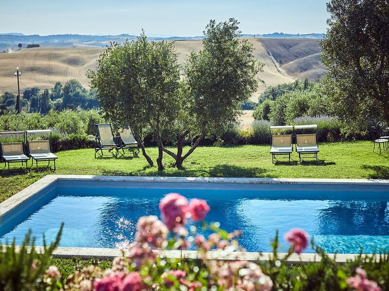 Podere Lamino with Swimming pool, vacation rental in Monticchiello