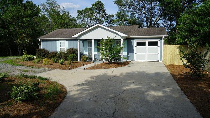 Carolina Dreamin guest house, holiday rental in Ogden