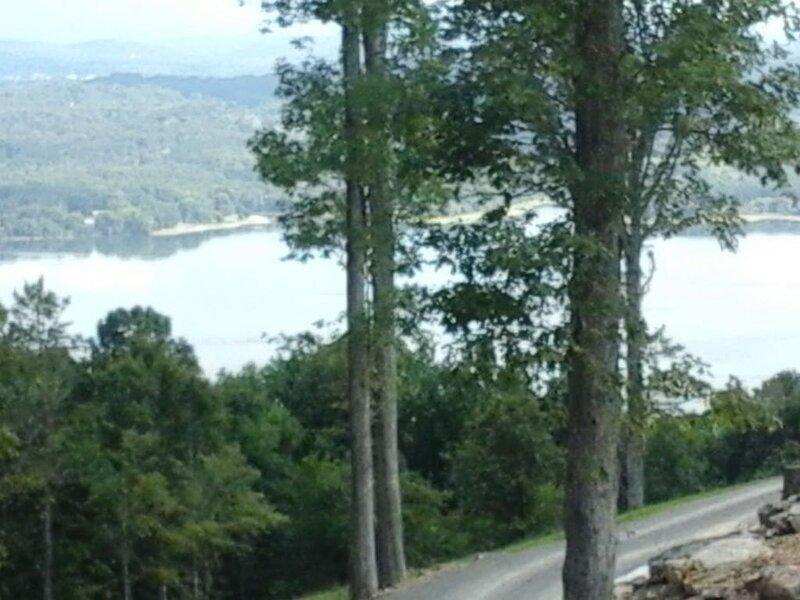 Trail's End · DaZzLiNg! INDOOR POOL! HoT TuB! Chatt. TN 21 miles, holiday rental in Whiteside