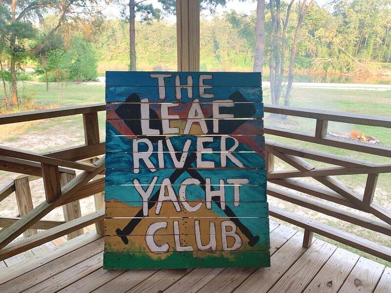 The Leaf River Yacht Club, aluguéis de temporada em Hattiesburg