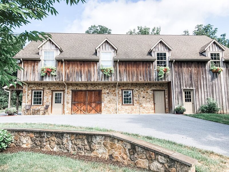 Cozy barn apartment near Strasburg, Sight & Sound Theatre, Rockvale Outlets, holiday rental in Atglen