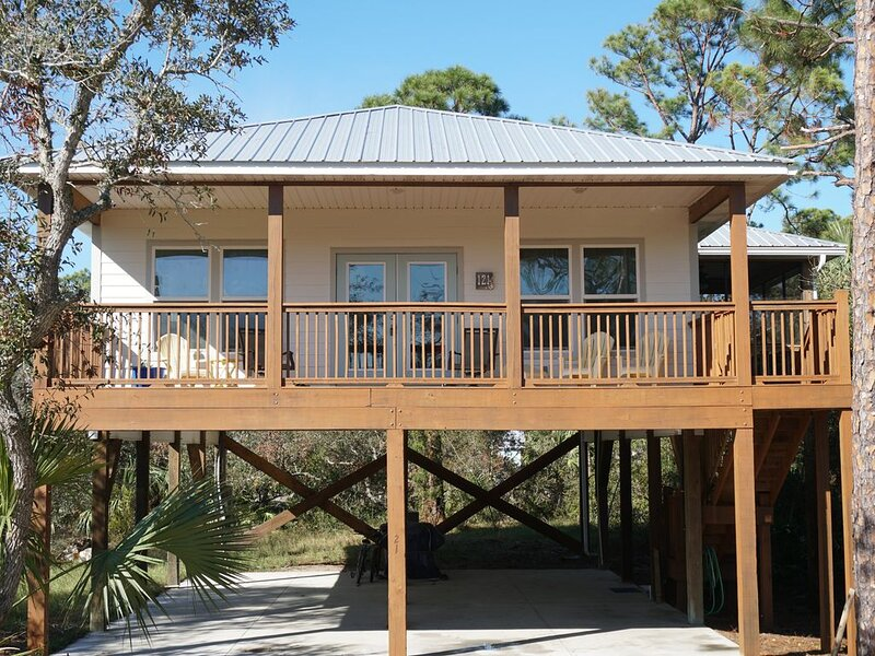 New Vacation Rental- Steps away from the beach!, alquiler de vacaciones en Cape San Blas