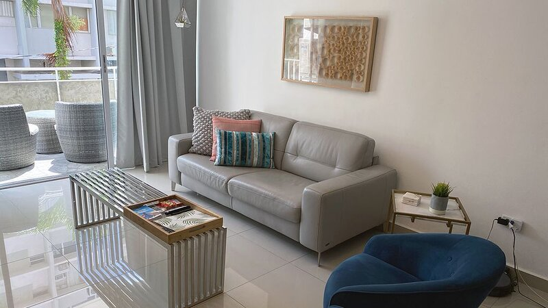 Vibrant Modern Apartment in The Heart of Condado, holiday rental in San Juan