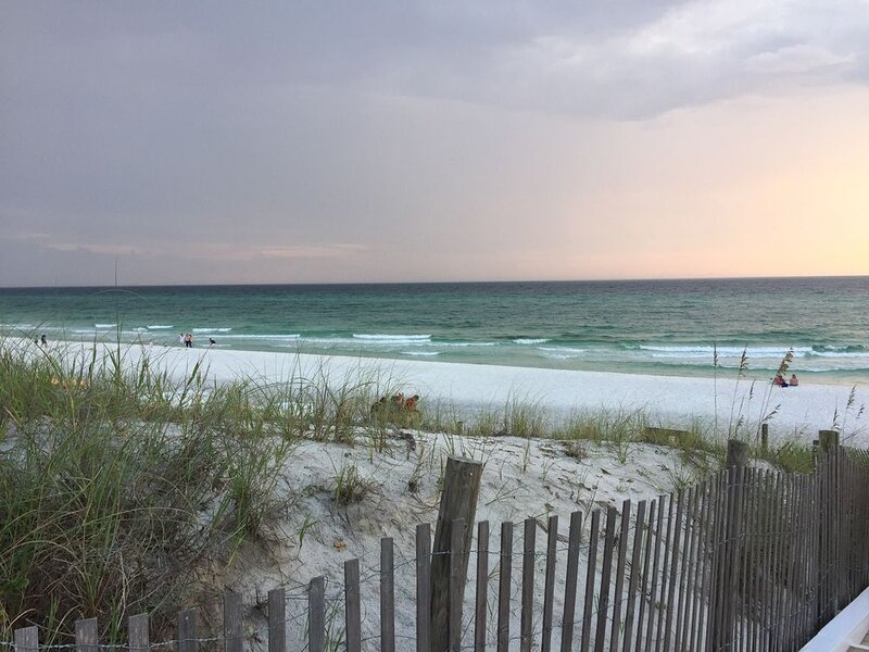 Beautiful, updated first floor 30A condo with walkability to everything!!!, vacation rental in Grayton Beach
