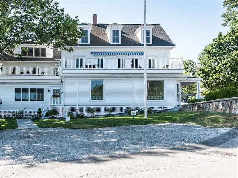 Ocean View Steps Away from York Harbor Beach!, holiday rental in Kittery Point
