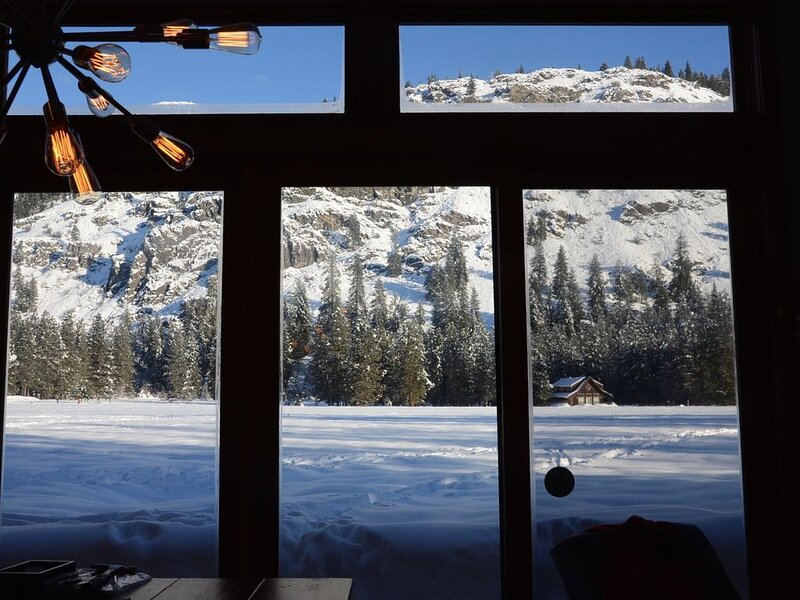 Adventure Outpost-Ski, Hike or Bike Out the Door!, alquiler vacacional en Mazama
