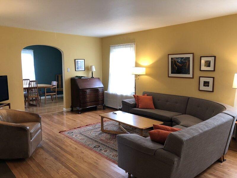 Charming, Comfortable, Centrally located home 4 +2 1/2 (Sleeps 7), alquiler de vacaciones en Glenwood Springs