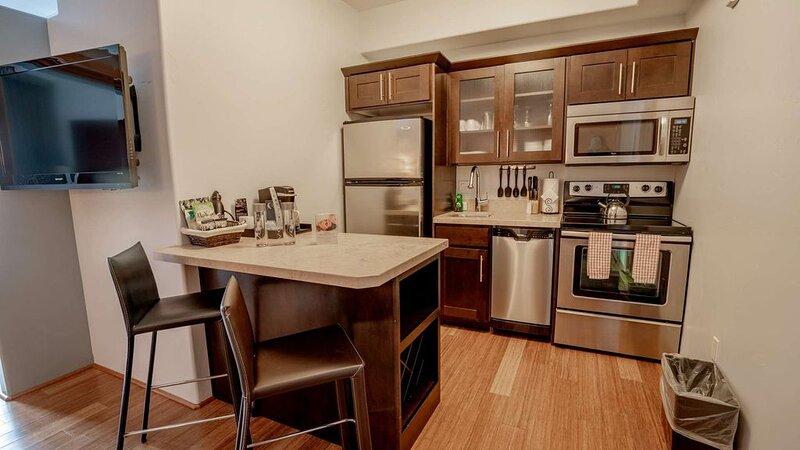 Jackson - 1 Bedroom Loft Suite, holiday rental in Jackson