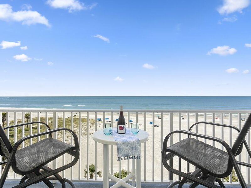 BRAND NEW, immaculately designed, BEACHFRONT condo with gorgeous water views, vacation rental in Madeira Beach