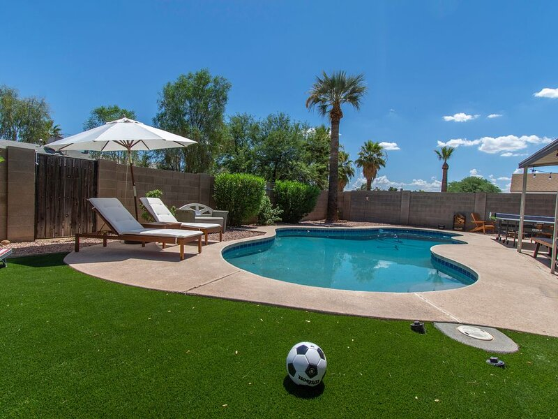 CHARMING  MID CENTURY HOME, fully upgraded, holiday rental in Tempe