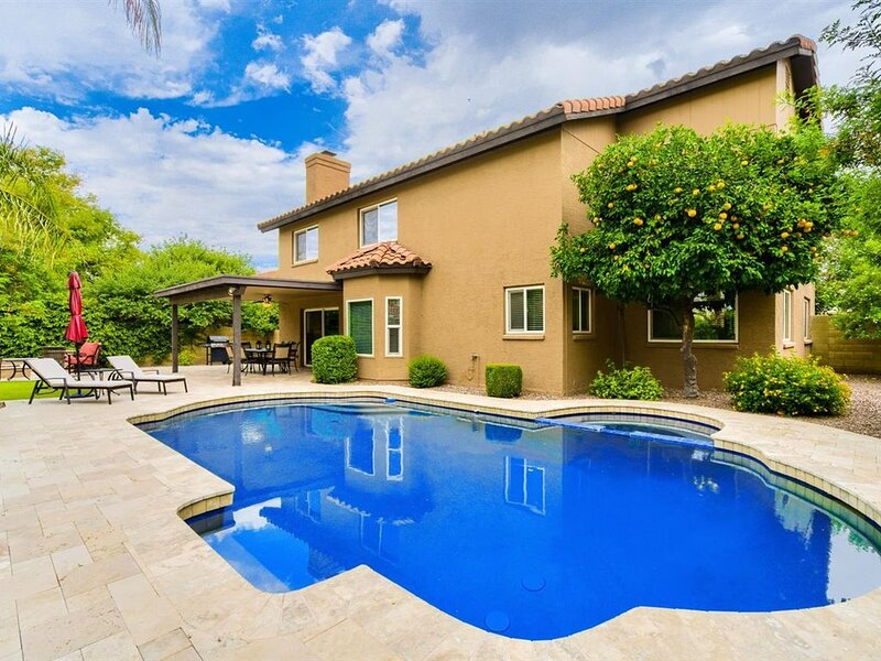 Tempe/Scottsdale/Phx 4 Bd/3 Ba, sleeps 9, resort pool/patio, gourmet kitchen, alquiler de vacaciones en Tempe