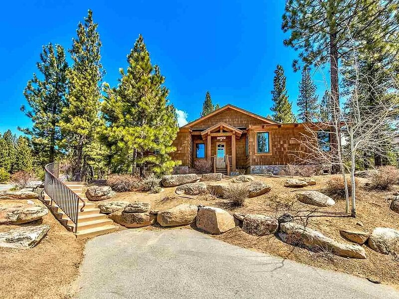 Deer Run Cabin on 8th hole of the Grizzly Ranch Golf Course, holiday rental in Clio