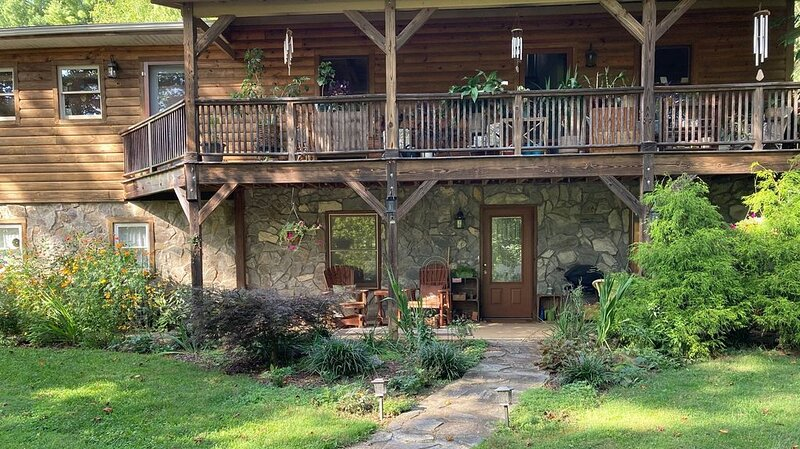 The perfect country get away only 15 minutes to downtown Asheville, vacation rental in Fletcher