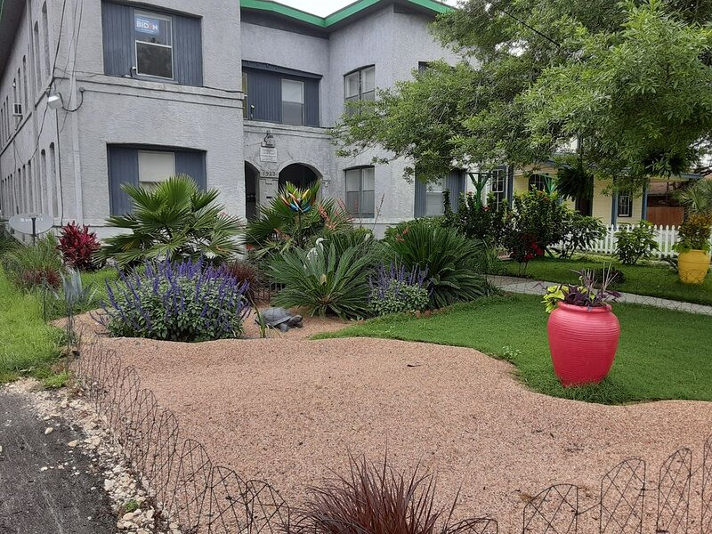 Near Pearl Brewery - Quick Access to Riverwalk, Alamo, and Downtown San Antonio!, vacation rental in San Antonio