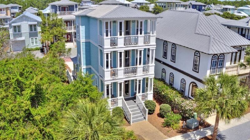 Sunny C's! Spacious floor plan - Easy walk to the beach & shops, vacation rental in Rosemary Beach