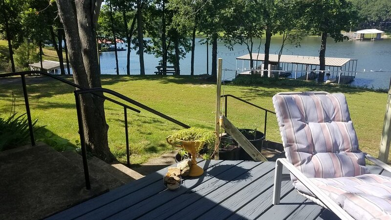 Just listed, be the first!A Beautiful Vacation on the TN. River, Kentucky  Lake!, location de vacances à Camden