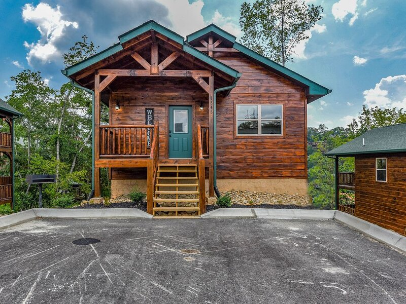 Relaxing Retreat - Close to Dollywood - Sleep 8, location de vacances à Pigeon Forge